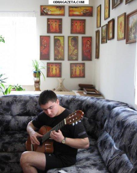 купить Обучаю игре на классической гитаре: кривой рог объявление 1