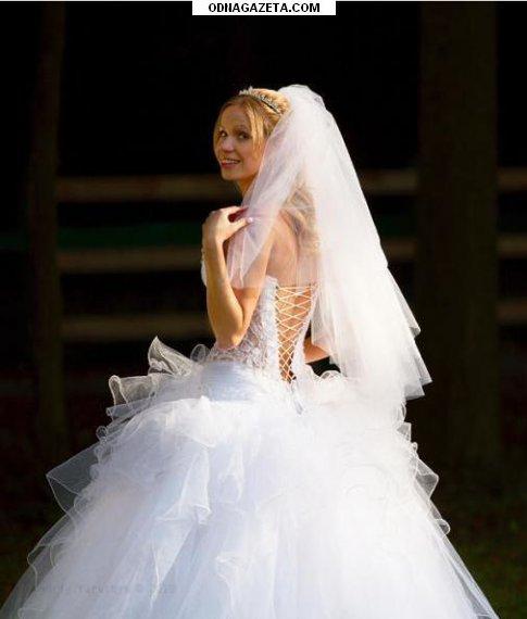 купить Свадебное платье р-ра 44-46, роста кривой рог объявление 1